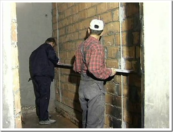 Для чего нужна штукатурка стен.