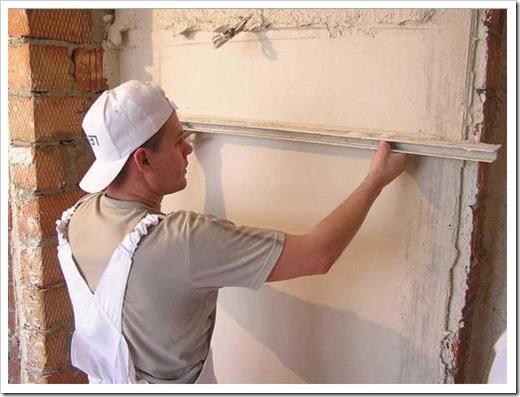 Чем лучше штукатурить стены?