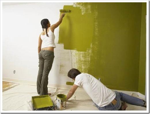 Как красить стены акриловой краской?