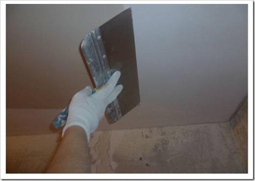 Какой шпаклевкой шпаклевать потолок?