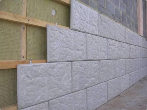 Особенности монтажа на стену