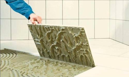Наклеивание керамической плитки