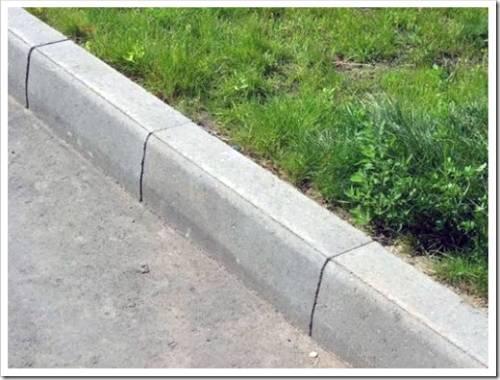 Выполнение монтажа дорожного бордюрного камня