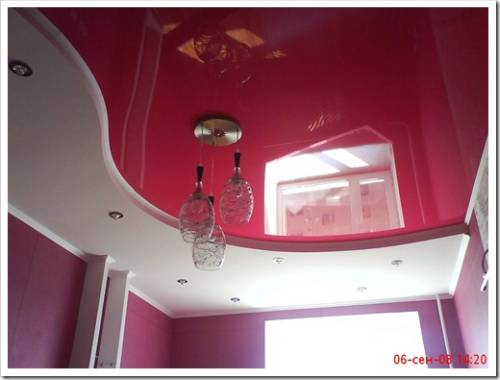 Преимущества глянцевого натяжного потолка
