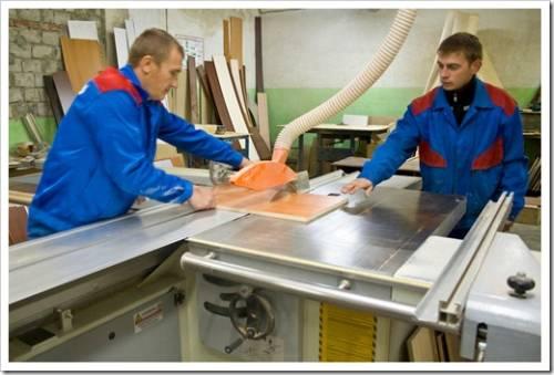 Какие материалы используются для производства мебели?