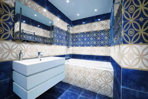 Узоры из плитки в ванной комнате фото