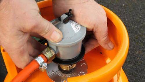 Как заправить газовый баллон из трубопровода