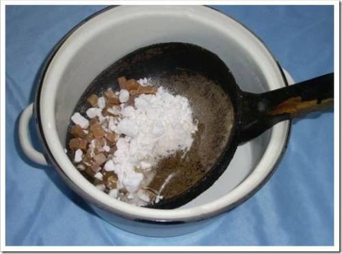 Удаление жирного нагара при помощи химической реакции