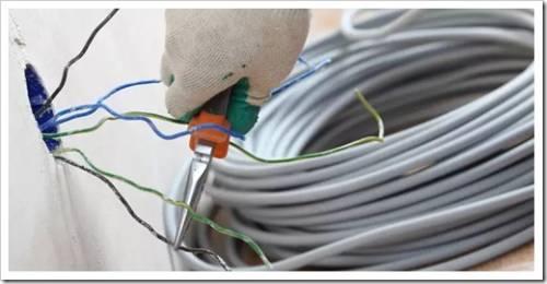 От чего следует отталкиваться при планировании электрических коммуникаций?