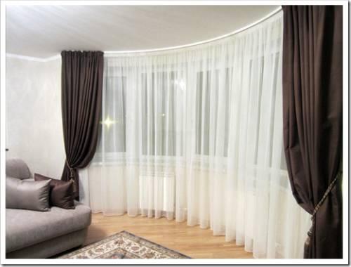 Как часто выполнять стирку штор из гостиной?