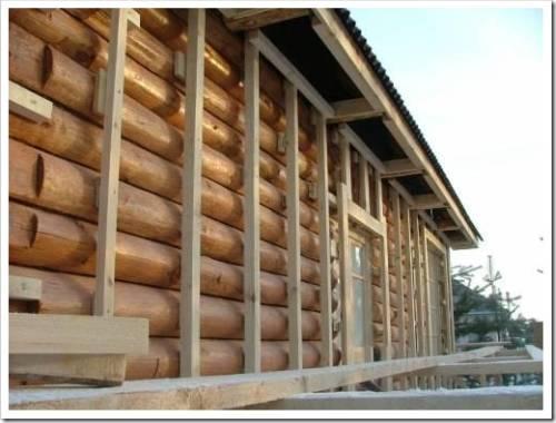 срубы домов окоренного бревна