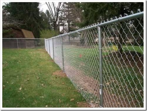 Забор из сетки: преимущества и недостатки