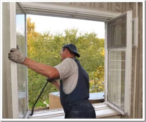 Защищаем монтажную пену снаружи