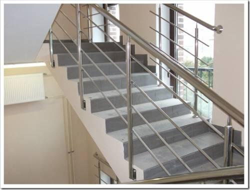 Из чего сделать лестницу самостоятельно?