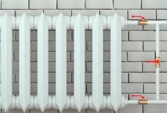 Монтаж чугунных батарей