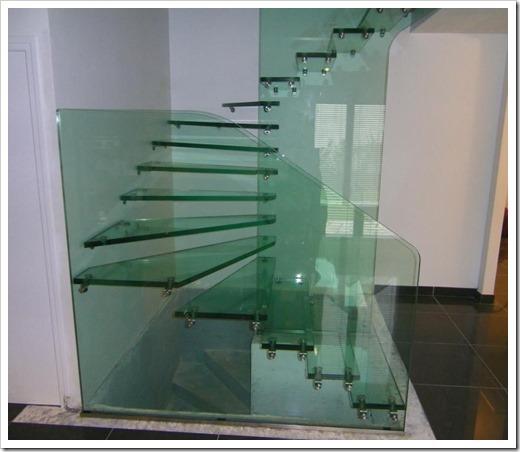 Существующие конструкции лестниц из стекла